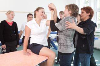 Physiotherapieunterricht. (Foto: SMMP/Carsten Behler)